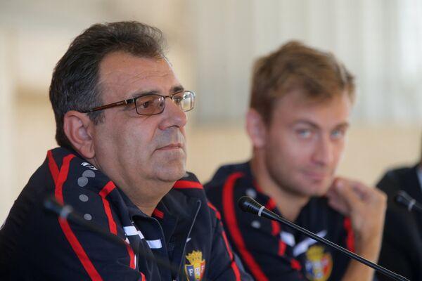Штефан Стойка (слева)