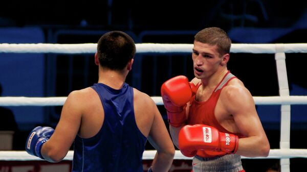 Петр Хамуков (справа)