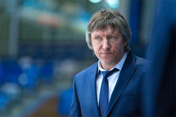 Исполняющий обязанности главного тренера МХК Спартак Дмитрий Фролов