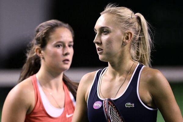 Дарья Касаткина и Елена Веснина (слева направо)