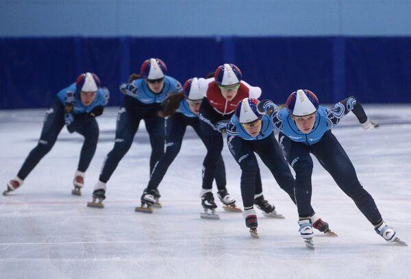 Спортсмены сборной России по шорт-треку