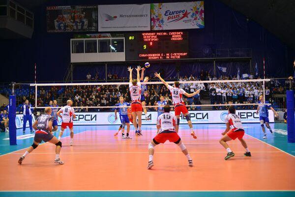 Игровой момент матча Белогорье - Динамо (Москва)