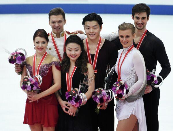 Екатерина Боброва и Дмитрий Соловьев, Майя и Алекс Шибутани, Мэдисон Хаббелл и Закари Донахью (слева направо)