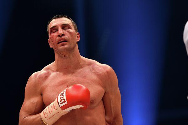Украинец Владимир Кличко после поражения от британского боксера Тайсона Фьюри
