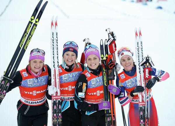 Женская сборная Норвегии в составе Майкен Касперен Фаллы, Флюгстад Ингвилд Оестберг, Терезы Йохеуг и Хейди Венга (слева направо)