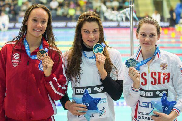 Виктория Зейнеп Гюнеш, Фанни Леклюзе и Мария Асташкина (слева направо)