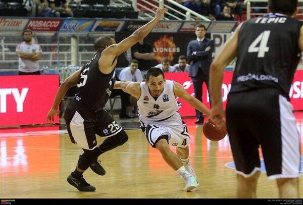 Игровой момент матча баскетбольного Кубка Европы ПАОК - Автодор