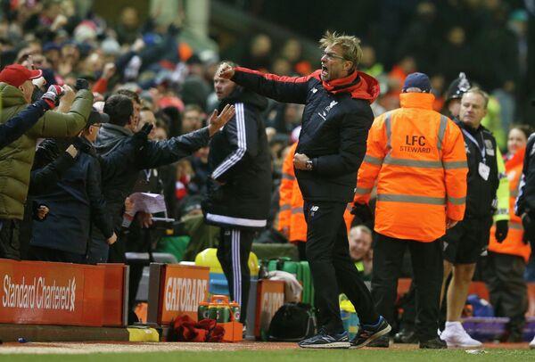 Главный тренер Ливерпуля Юрген Клопп радуется забитому мячу своей команды в ворота Вест Бромвича