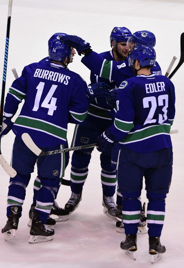 Хоккеисты клуба НХЛ Ванкувер Кэнакс