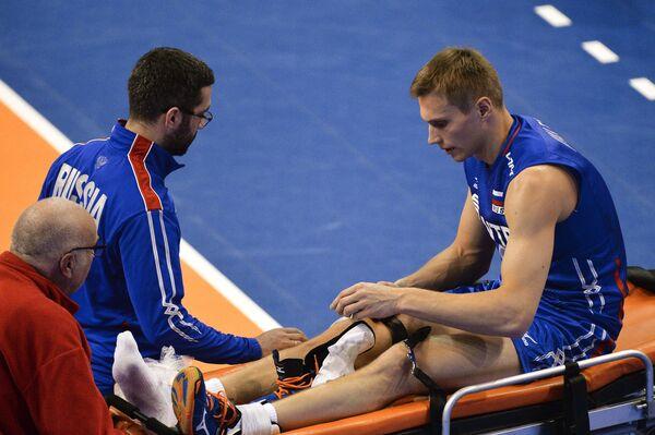 Дмитрий Ковалев (справа)