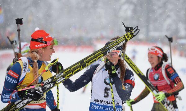 Габриэла Соукалова и Кайса Мякяряйнен (слева направо)