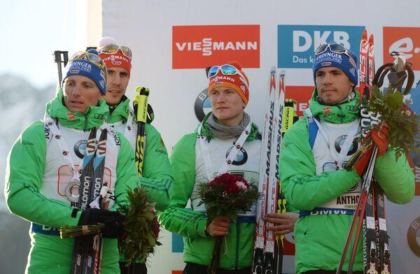 Немецкие биатлонисты Эрик Лессер, Арнд Пайффер, Бенедикт Долль и Симон Шемпп (слева направо)