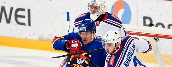 Игровой момент матча КХЛ Йокерит - СКА