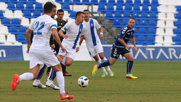 Игровой момент матча Крылья Советов - Реал Мурсия