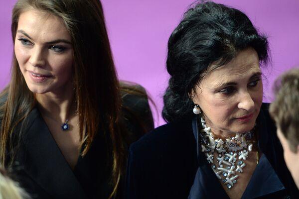 Алина Кабаева (слева) и Ирина Винер-Усманова
