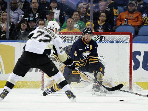 Игровой момент матча НХЛ Баффало - Питтсбург