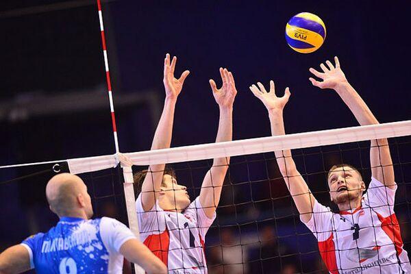 Игровой момент матча чемпионата России по волейболу между краснодарским Динамо и Белогорьем