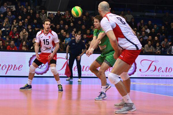 Игроки ВК Белогорье Марко Ивович, Роман Мартынюк и Сергей Тетюхин (слева направо)