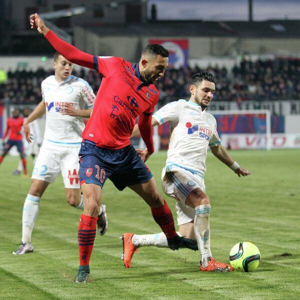 Игровой момент матча чемпионата Франции по футболу Газелек - Марсель