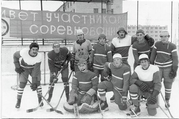Команда «Нефтехимика» сезон-1976/77