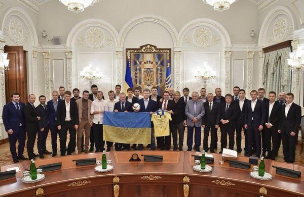 Петр Порошенко на торжественной встрече с национальной сборной Украины по футболу