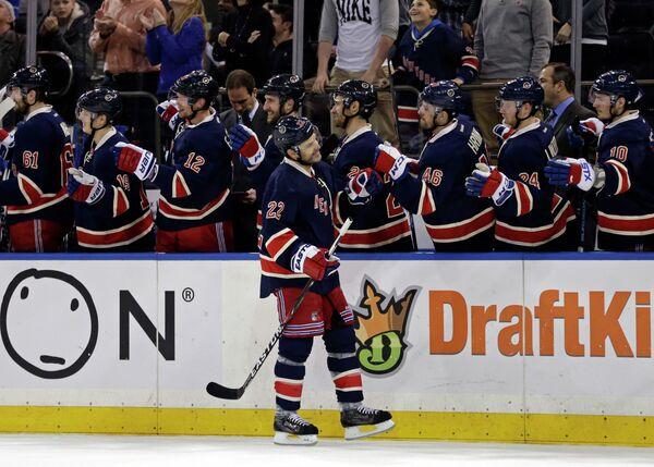Защитник клуба НХЛ Нью-Йорк Рейнджерс Дэн Бойл (№22)
