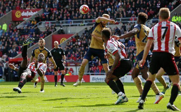 Игровой момент матча Сандерленд - Арсенал