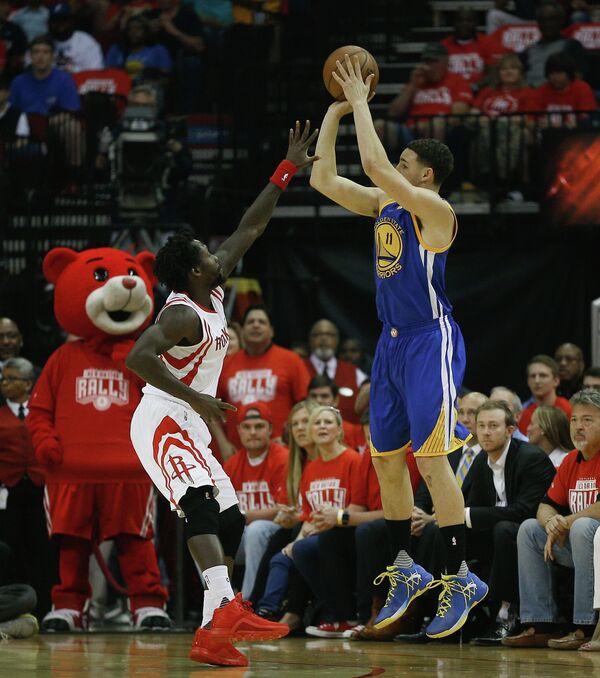 Игровой момент матча НБА Хьюстон - Голден Стэйт