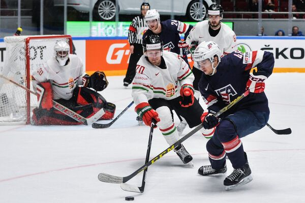 Игровой момент матча США - Венгрия