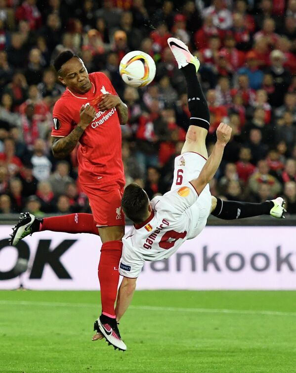 Игровой момент матча  Ливерпуль - Севилья