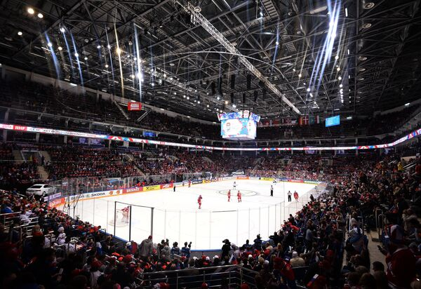 Игровой момент матча 1/2 финала чемпионата мира по хоккею Финляндия - Россия