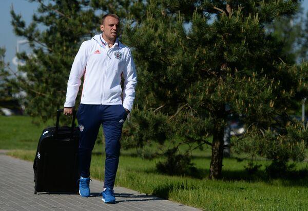 Полузащитник сборной России Денис Глушаков