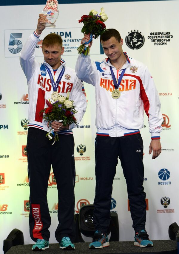 Россияне Илья Фролов (слева) и Олег Наумов