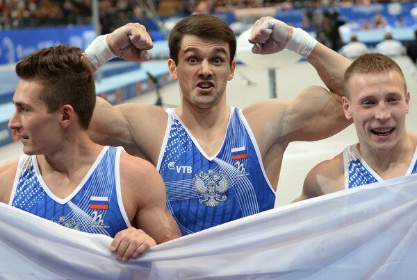 Российские гимнасты Давид Белявский, Николай Куксенков и Денис Аблязин (слева направо)