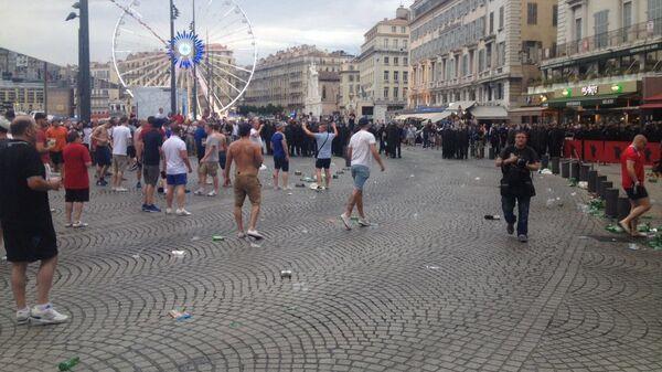 Столкновения между болельщиками в Марселе