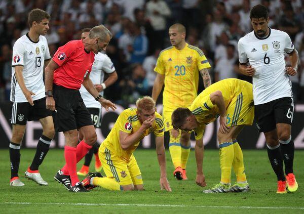 Игровой момент матча группового этапа чемпионата Европы по футболу - 2016 Германия - Украина