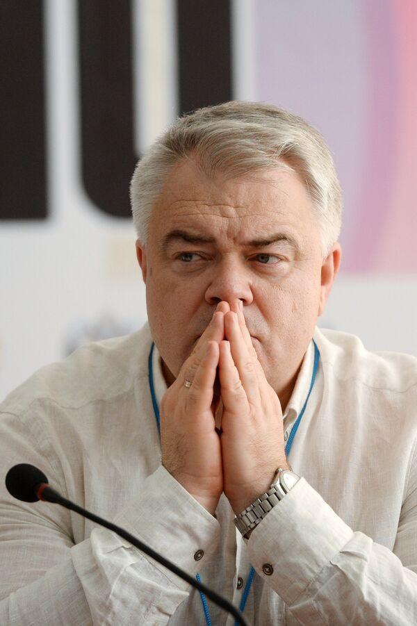 Михаил Бутов