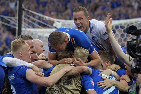 Игроки сборной Исландии