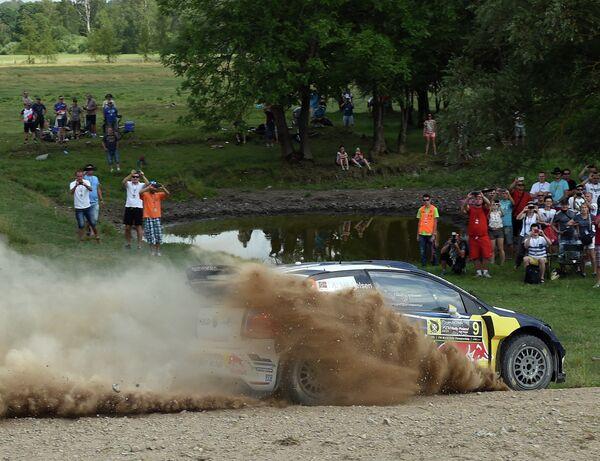 Норвежский гонщик Андреас Миккельсен из команды Volkswagen