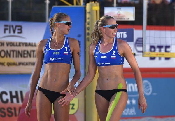 Слева направо: Анастасия Барсук и Евгения Уколова