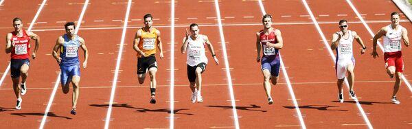 Алексей Касьянов (второй слева) на чемпионате Европы по легкой атлетике
