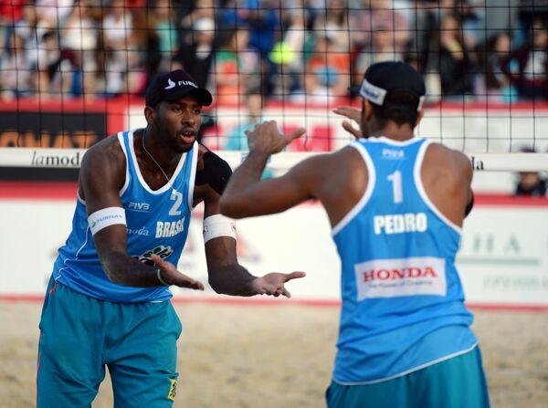 Эвандро Гонсалвеш Оливейра (слева) и Педро Сольберг Сальгадо