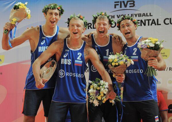 Слева направо: Олег Стояновский, Артем Ярзуткин Никита Лямин и Дмитрий Барсук