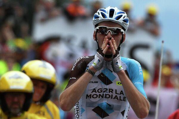 Французский велогонщик Ромен Барде из AG2R La Mondiale